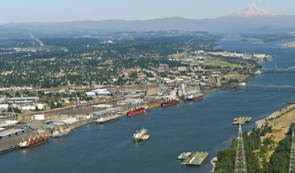 In response to protests and a lawsuit, the Port of Vancouver Commission re-voted on a controversial oil terminal lease.