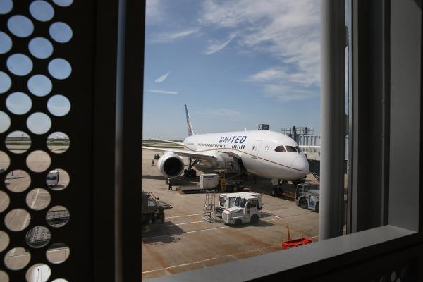 A United Airlines Boeing 787 Dreamliner at O'Hare International Airport.