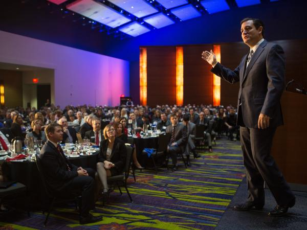 Sen. Ted Cruz (R-Texas) speaks on Friday during the Republican Party of Iowa's Reagan Dinner in Des Moines.