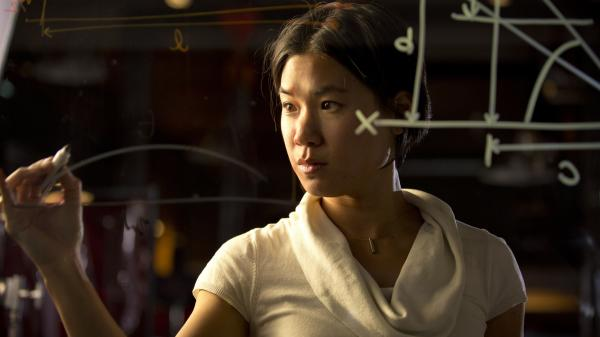 Alison Wong, a contestant on Discovery's new <em>The Big Brain Theory</em>, does the math.