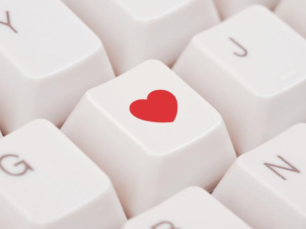 "The Pew Internet and American Life Project <a href=""http://pewinternet.org/Reports/2013/Online-Dating.aspx"">survey</a> also found 23 percent of online daters found a spouse or long-term partner that way."