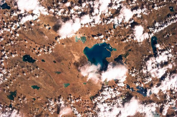 Sapphire-colored lakes in the harsh steppes of Xizang, Tibet.
