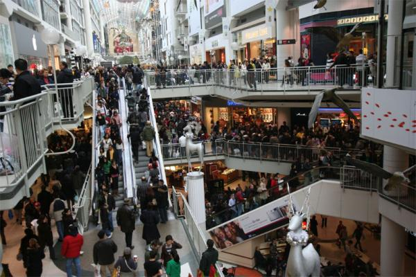 Northwest economists predict holiday shoppers will spend less this year.