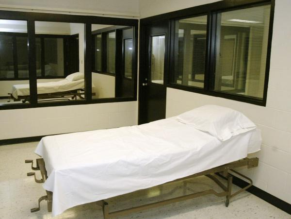 An April 2005 photo of the death chamber at the Missouri Correctional Center in Bonne Terre, Mo. Gov. Jay Nixon has halted the execution of convicted killer Allen Nicklasson, citing concerns about the use of propofol as an execution drug.