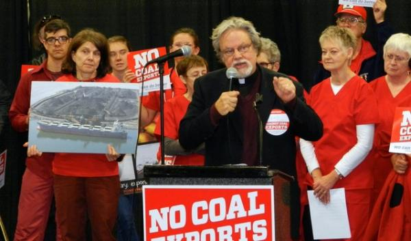 Thousands of people have lined up to submit comments on controversial coal export and oil-by-rail projects. What are officials doing with all those comments?