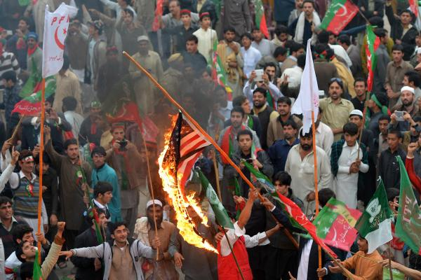 Thousands of Pakistani activists from right-wing political parties protested against U.S. drone strikes on Saturday.