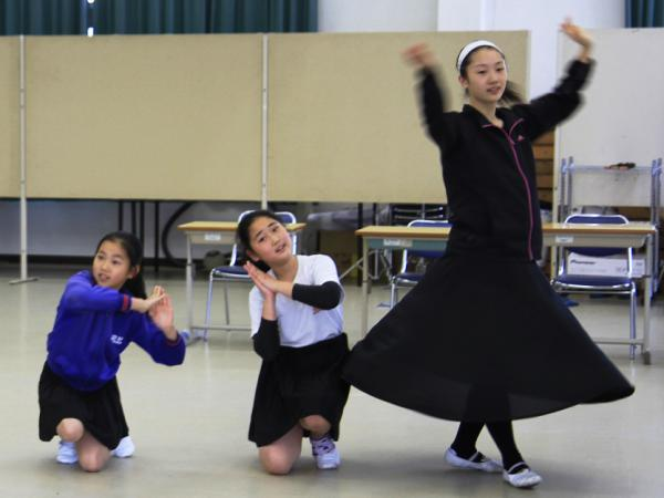 Students at Tohoku Chosen, an elementary and junior high school for North Koreans in Sendai City, now take dance classes in the school's cafeteria because their main building was destroyed when the earthquake struck northeast Japan last March.