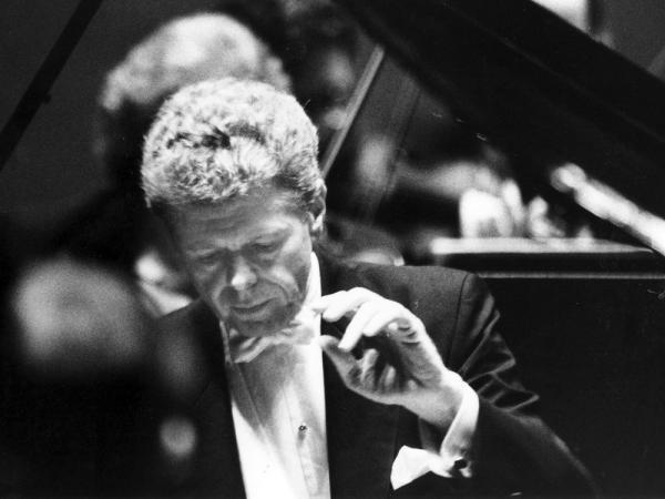 Van Cliburn in concert in 1993.