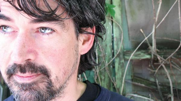 Slaid Cleaves' music is influenced by singer-songwriters such as Woody Guthrie, Bruce Springsteen, Hank Williams and Johnny Cash.