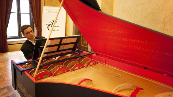 "Pianist Slawomir Zubrzycki presents the ""viola organista"" on Oct. 18 in Krakow, Poland. Zubrzycki spent almost four years building the instrument, which is based on a late 15th-century design by Leonardo da Vinci."