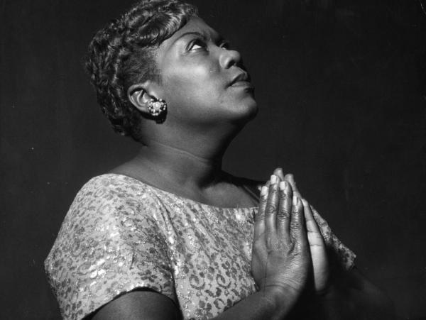 The gospel/folk singer Sister Rosetta Tharpe was accompanied by a jazz orchestra on her debut recording.