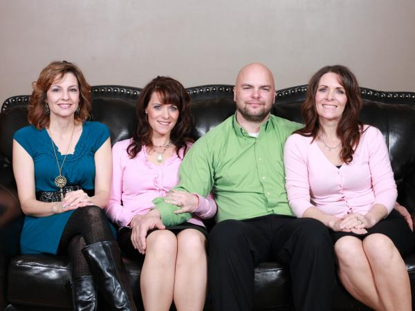 Alina, Valerie, Joe and Vicki Darger live in a polygamous relationship and have 25 children.