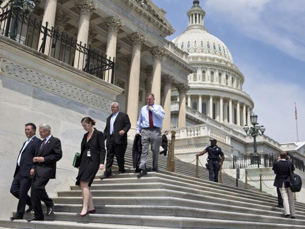 After casting their final votes of a session in which few laws were passed, members of Congress leave for a five-week recess.