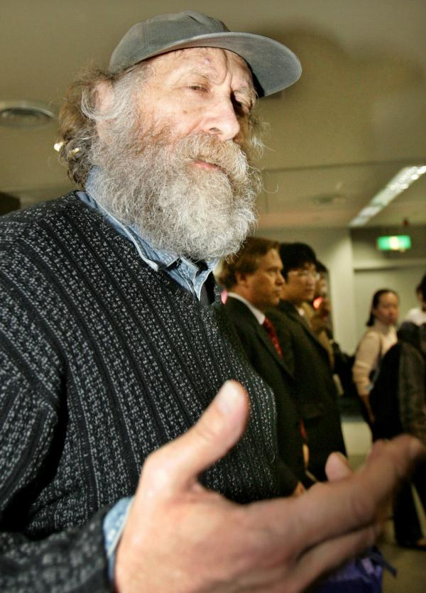 Former world chess champion Bobby Fischer in March 2005 as he left Japan for Iceland, where he lived out his final years.