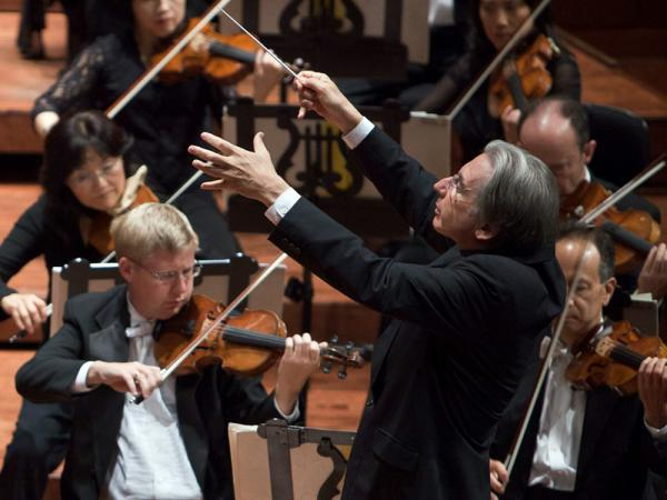 The San Francisco Symphony (with music director Michael Tilson Thomas) avoided a lengthy strike this year.