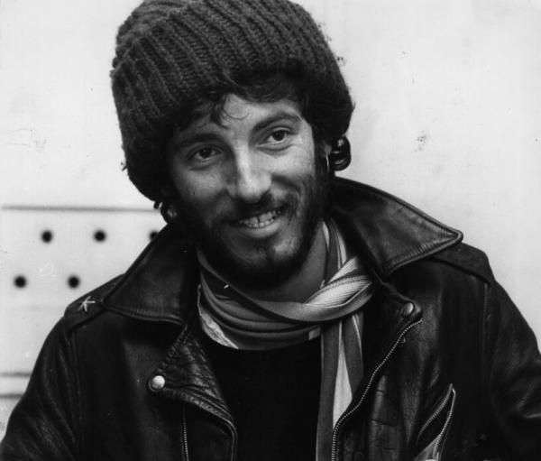 American rock singer, songwriter and guitarist Bruce Springsteen pictured in 1975. (Monty Fresco/Evening Standard/Getty Images)