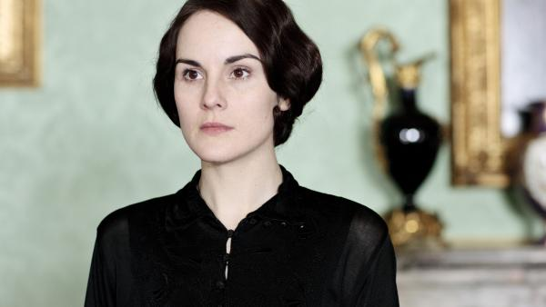 Michelle Dockery's Lady Mary is in deep mourning as <em>Downton Abbey</em> returns for a fourth season on PBS.