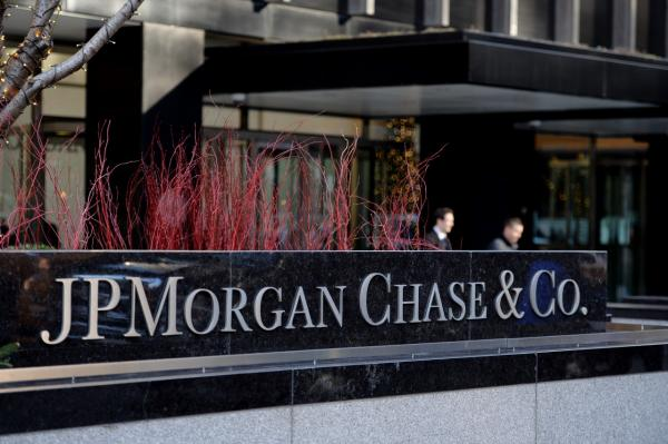 The headquarters of JP Morgan Chase on Park Avenue December 12, 2013 in New York. JP Morgan Chase and federal authorities are close to a USD $2 billion settlement over the bank's ties to financier Bernard L. Madooff that involve penalties and deffered criminal prosecution. (Stan Honda/AFP/Getty Images)