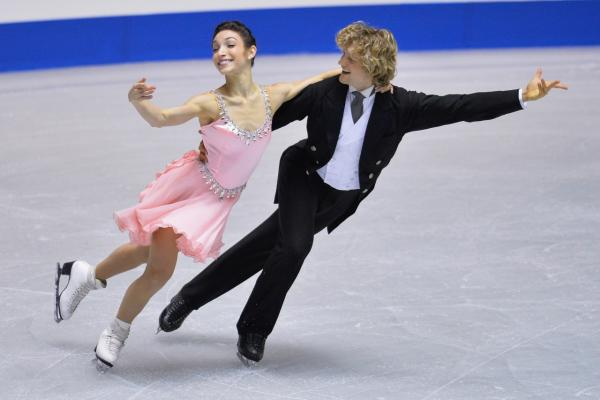 Meryl Davis and Charlie White competes in the Ice Dance short program during day two of ISU Grand Prix of Figure Skating 2013/2014 NHK Trophy at Yoyogi National Gymnasium on November 9, 2013 in Tokyo, Japan. (Koki Nagahama/Getty Images)