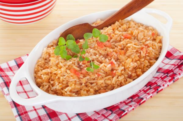 "Keep the rice brown and the skin off the chicken for a <a href=""http://www.nhlbi.nih.gov/health/public/heart/hbp/dash/recipes.html"">Spanish rice dinner</a> that could qualify for the top-ranked DASH diet. Here's the <a href=""http://www.nhlbi.nih.gov/health/public/heart/hbp/dash/recipes.html"">DASH-approved recipe</a>."