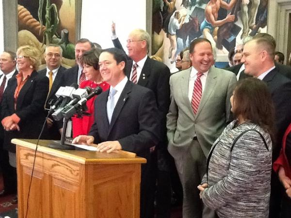 House Speaker Tim Jones and other Republican lawmakers on opening day of Missouri's 2014 legislative session.