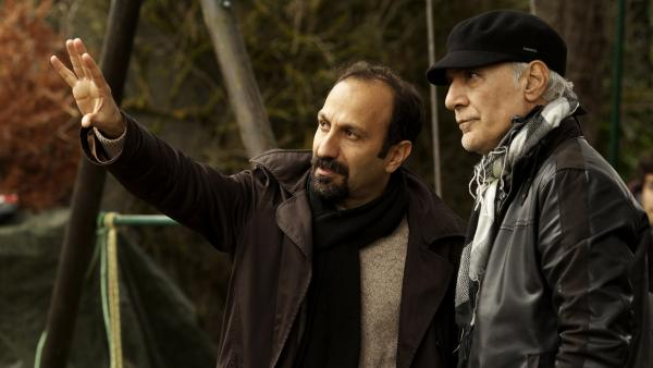 Filmmaker Asghar Farhadi and cinematographer Mahmoud Kalari discuss a shot during the making of <em>The Past — </em>the new drama from the director of the Oscar-winning <em>A Separation.</em>