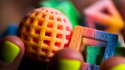 We may not be able to 3-D print an apple pie or Peking duck yet. But you can now make these rainbow sugar spheres and cubes with a $10,000 ChefJet Pro 3-D food printer.