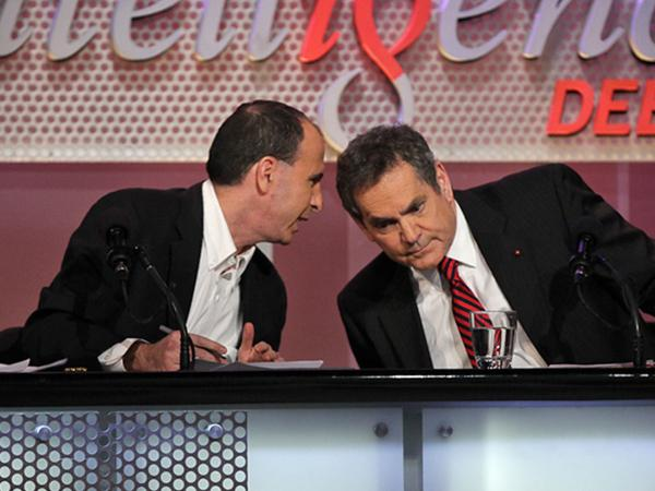 Jonathan Chait (left) and Douglas Kamerow confer while arguing against the motion.