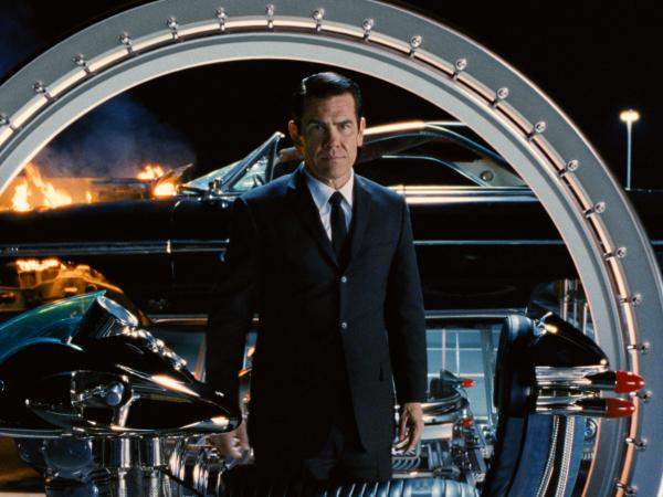 Josh Brolin (<em>No Country for Old Men</em>) plays young Agent K, the target in 1969 of an attack by a time-traveling alien that threatens to change the future.