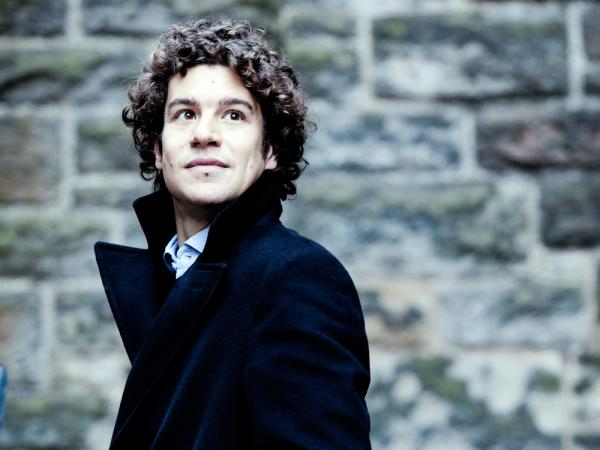 Robin Ticciati conducts beyond his years in a debut recording with the Scottish Chamber Orchestra.