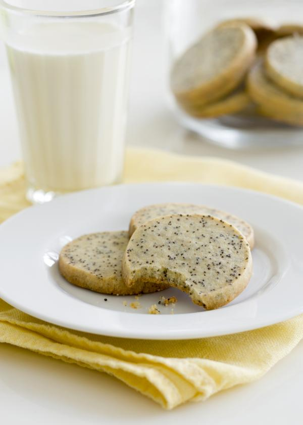 Poppy seed cookies bring back memories of watching <em>Dallas</em> with Aunt Ida, the Brass Sisters say.