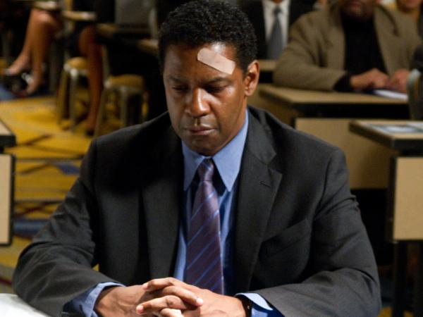 Denzel Washington plays Whip Whitaker in <em>Flight</em>.