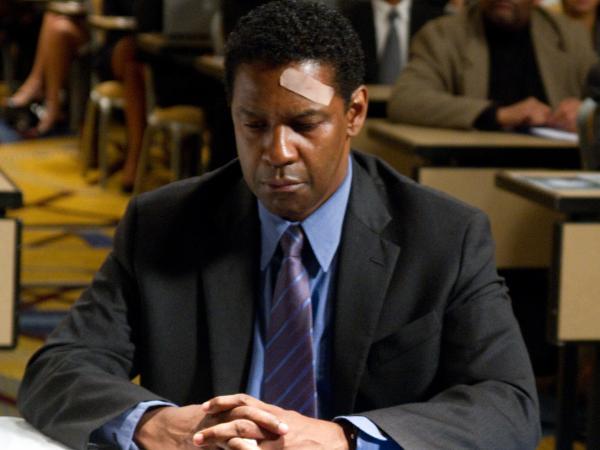 Denzel Washington plays Whip Whitaker in <em>Flight</em>.