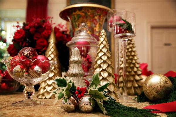 Holiday decorations in the China Room.