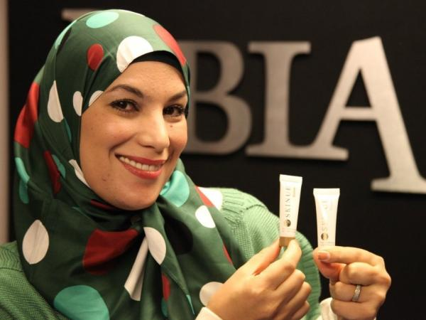 Penelope Shihab, founder of MONOJO and Columbia Biotech, has distributed samples of her acne cream and serum across Columbia, Mo.