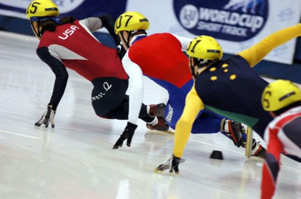 Apolo Ohno leads the pack in this 2004 file photo.
