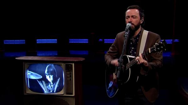 "James Mercer of Broken Bells performs The Beatles' ""And I Love Her"" with backing from a looped video of Ringo Starr on <em>The Late Show With David Letterman</em>."