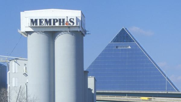 The Pyramid Sports Arena in Memphis in 1998.