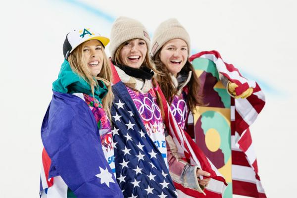 Kaitlyn Farrington (middle) won the goal medal in the snowboard halfpipe on Wednesday.