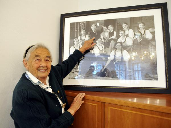 Maria von Trapp in 2008 at the age of 93. The daughter of Austrian Baron Georg von Trapp points to her father on an old family picture. She died on Tuesday at her home in Vermont.