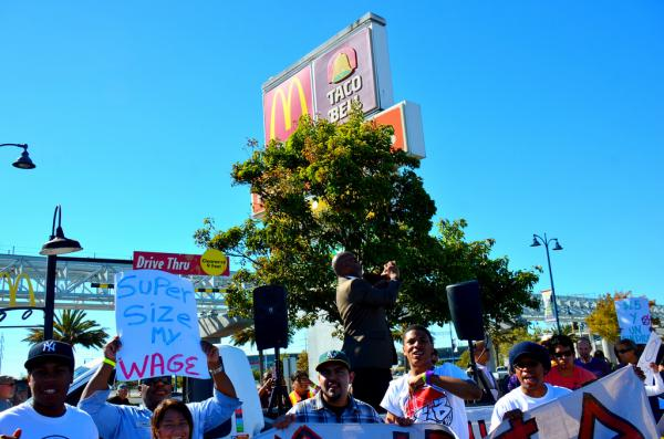 A fast food strike in Oakland, Calif., in August 2013. (Steve Rhodes/Flickr)