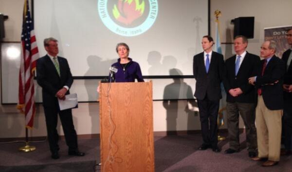 Interior Secretary Sally Jewell discusses the wildfire forecast at a news briefing in Boise. She's flanked by Idaho Gov. Butch Otter (left) and Sens. Ron Wyden, D-Ore., Mike Crapo, R-Idaho, Jim Risch, R-Idaho, and Jeff Merkley, D-Ore. (Right, L-R).