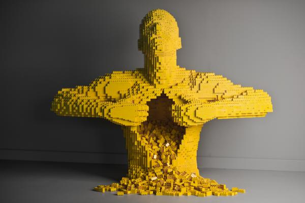 <em>Yellow </em>by artist Nathan Sawaya.
