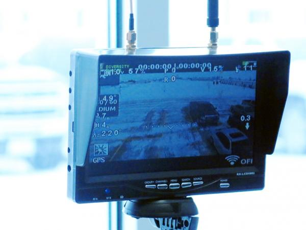 Farmers can check their images, elevation and other critical information with a wireless monitor.