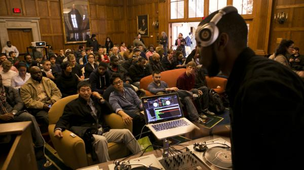 9th Wonder addresses Harvard students in a scene from the documentary <em>The Hip-Hop Fellow</em>, which chronicles a year the producer spent teaching hip-hop culture as an academic subject.