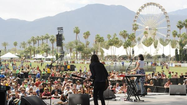 The Preatures perform a Friday afternoon set at Coachella 2014.