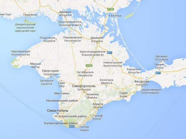 Ukraine's Google Maps uses a thin dashed line, which simply indicates a provincial border.