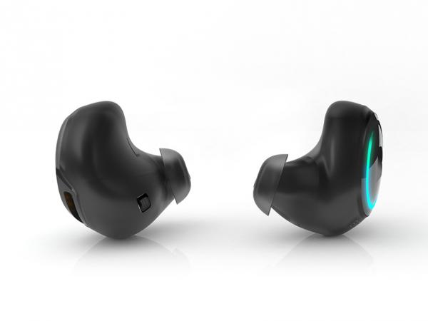 Bragi's Dash, a fitness-centered wireless earpiece, has raised over $3 million on Kickstarter, the crowdfunding site.
