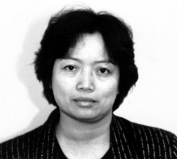 "Cheng Chui Ping, also known as ""Sister Ping,"" died last Thursday. She portrayed herself as a clothing shop owner, but government investigators said her main business was smuggling Chinese immigrants into the U.S."