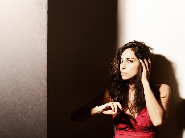 Out of influences as diverse as techno and Arabic classical music, Yasmine Hamdan weaves together a sound all her own on <em>Ya Nass</em>.